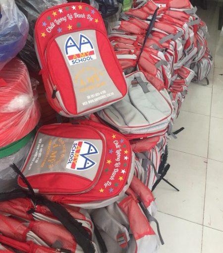 Sản xuất balo Á Mỹ cho trung tâm anh ngữ.
