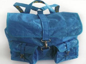 Balo túi xách nhựa 20k rẻ bèo của Ikea gây sốt với loạt phiên bản tái chế
