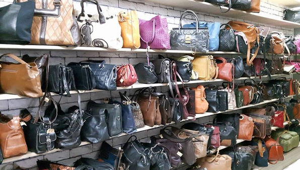 nhiều balo túi xách secondhand đa dạng