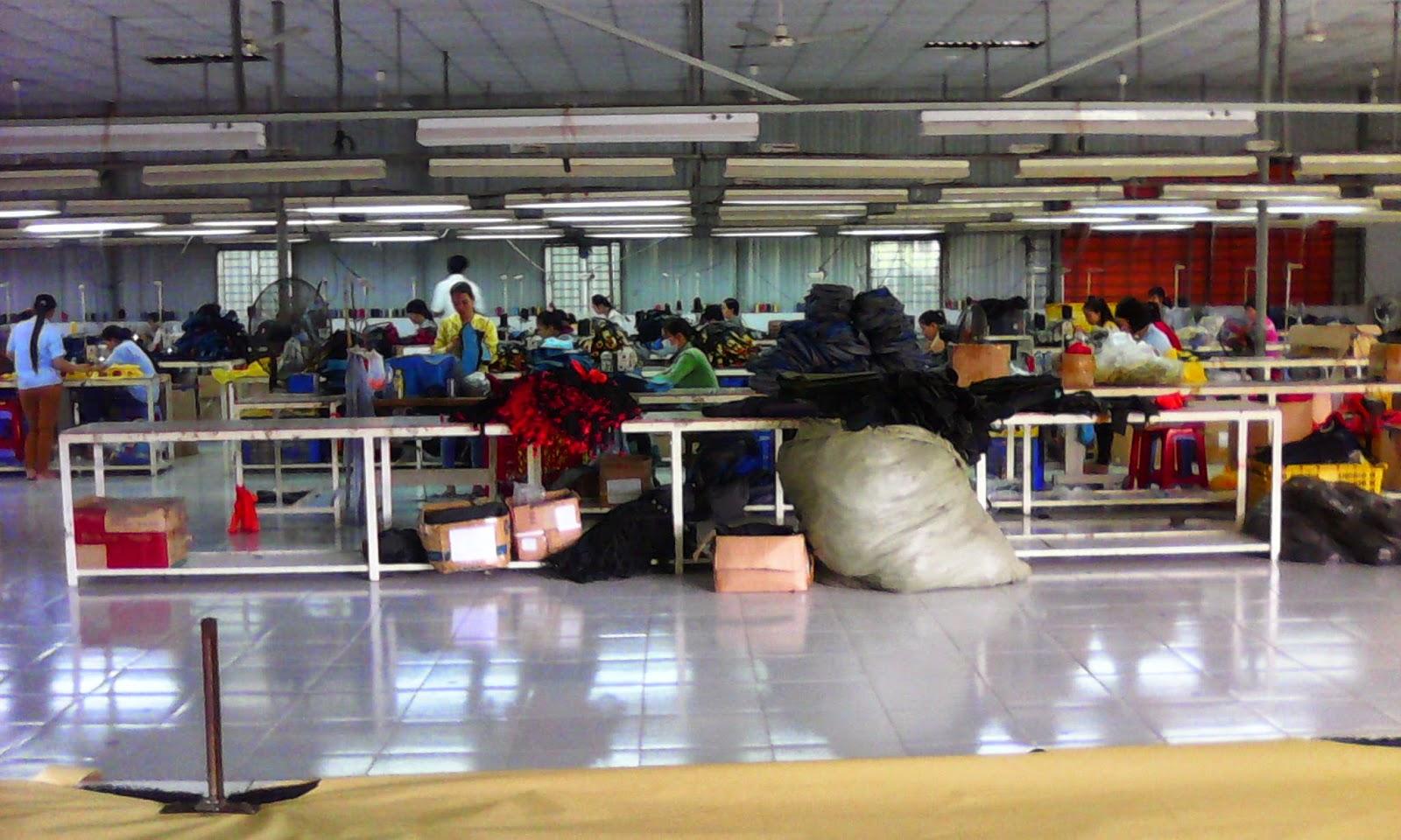 xưởng may túi xách giá rẻ Hợp Phát 1