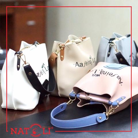 Chiếc túi xách giống như món phụ kiện thời trang quan trọng, vì vậy bạn không thể nào chọn chiếc túi quá to hoặc quá nhỏ so với tỉ lệ cơ thể